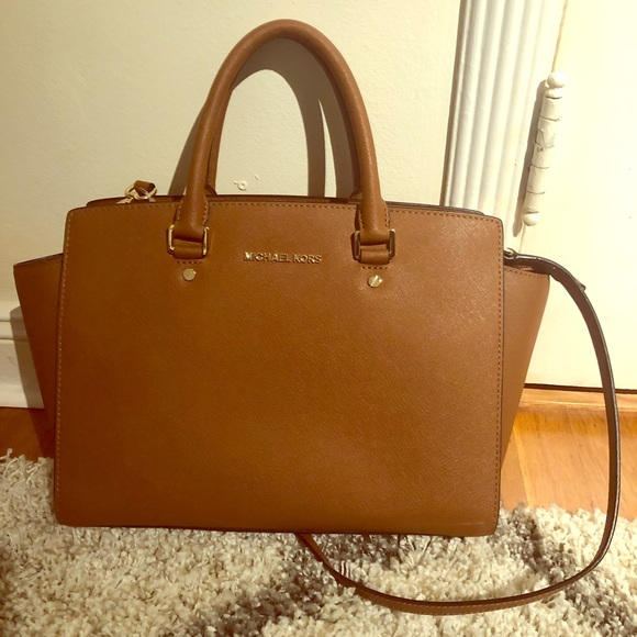 48a60a377160 Michael Kors Selma Saffiano Leather Medium Satchel.  M_5c3919e09519962ebaf4568b. Other Bags ...